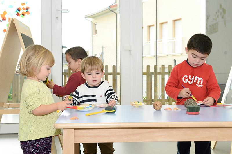 Escuelas-Infantiles-Kamira-Clases-de-pintura