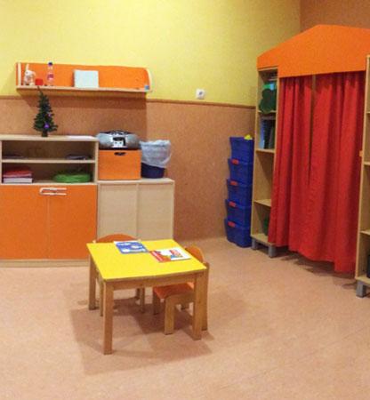 Lateral sala de juegos Escuela Infantil Arguedas