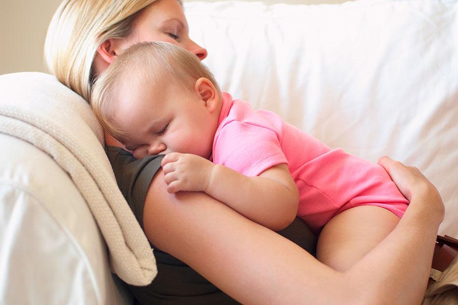 mama-abrazando-nino